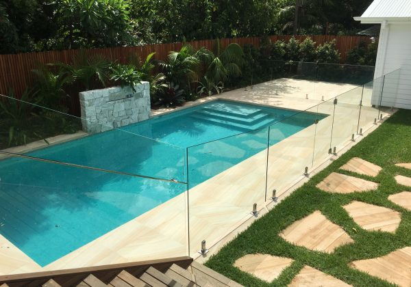 tropical-landscaped-pool-glass-fence-sydney